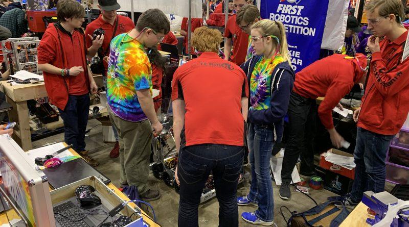 WildStang Helps Team 6968 at Midwest Regional